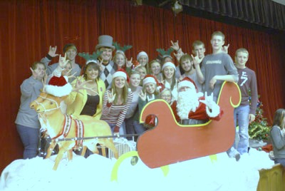 group-pic-with-sleigh-at-CHP